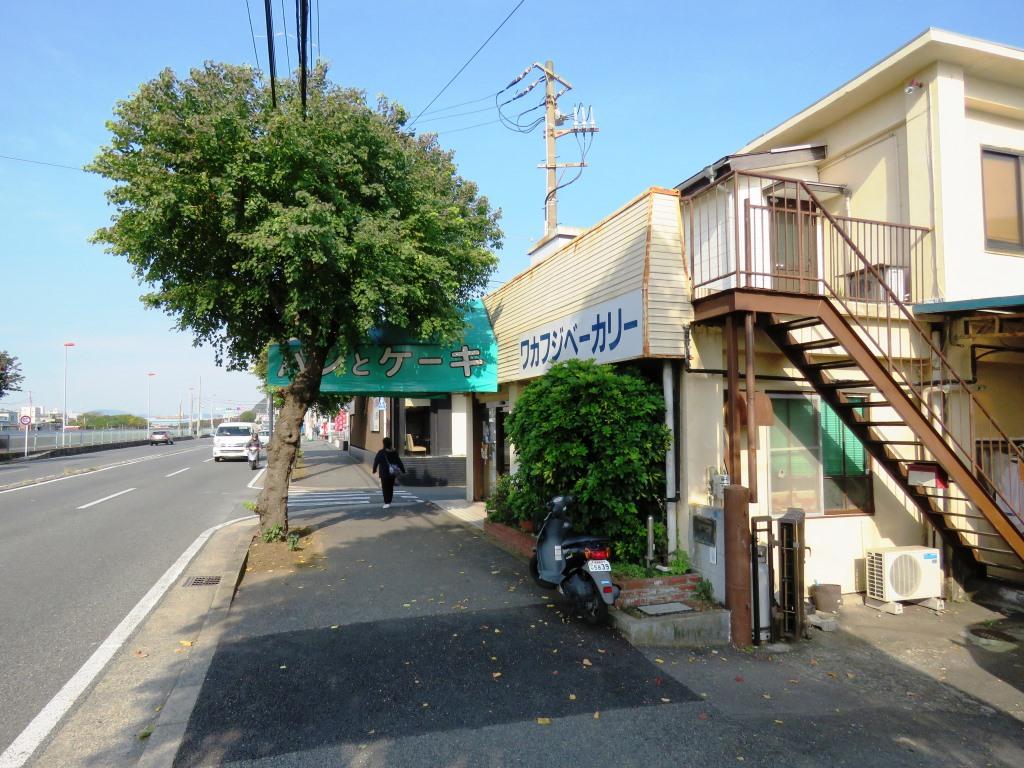 久里浜 ワカフジベーカリーのポテチパン~食べてみると_b0081121_662776.jpg
