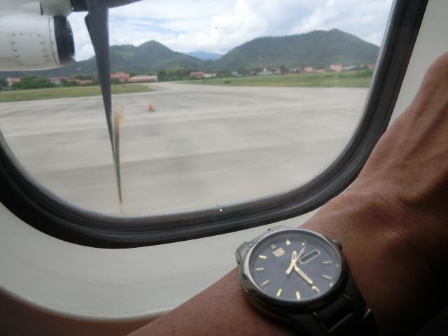 ラオス国営航空に乗る_f0189467_15123019.jpg