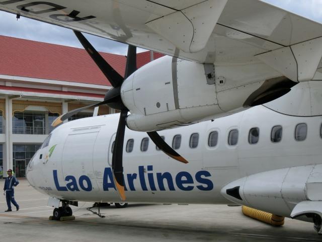 ラオス国営航空に乗る_f0189467_15123898.jpg