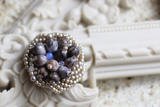 数珠玉のモンブランブローチ_e0170272_9362092.jpg