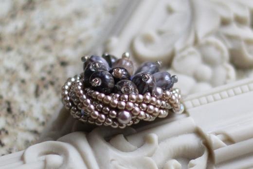 数珠玉のモンブランブローチ_e0170272_9422887.jpg