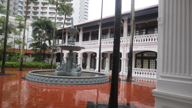 シンガポール旅行記 ④ラッフルズホテルとナイトサファリ_e0212073_18361583.jpg