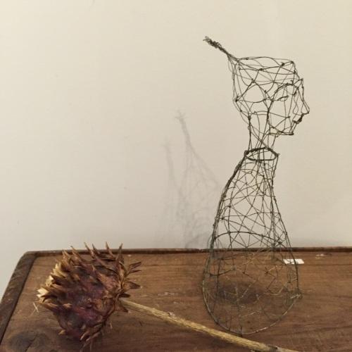 はりがね堂 トチオサヤカ作品展「はなればなれに」終了しました。_e0060555_09060396.jpg