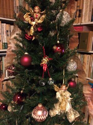 クリスマスツリーに新人さん_b0031055_17283092.jpg