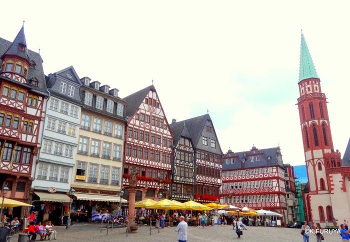 ドイツ9日間の旅 27 フランクフルト・レーマー広場_a0092659_17120247.jpg