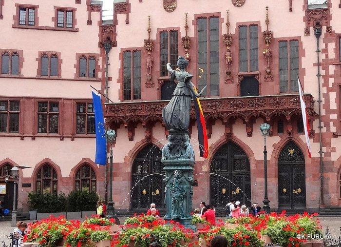 ドイツ9日間の旅 27 フランクフルト・レーマー広場_a0092659_18220631.jpg