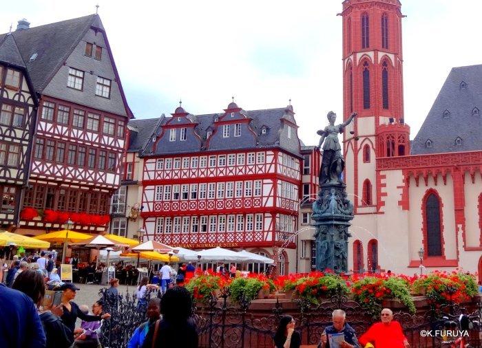 ドイツ9日間の旅 27 フランクフルト・レーマー広場_a0092659_18283832.jpg