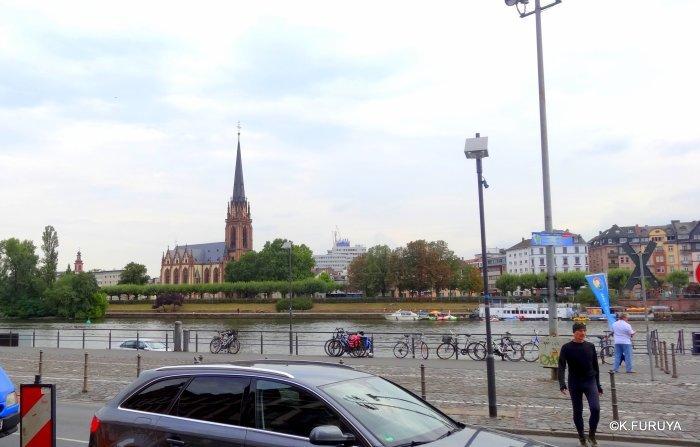 ドイツ9日間の旅 27 フランクフルト・レーマー広場_a0092659_19130727.jpg