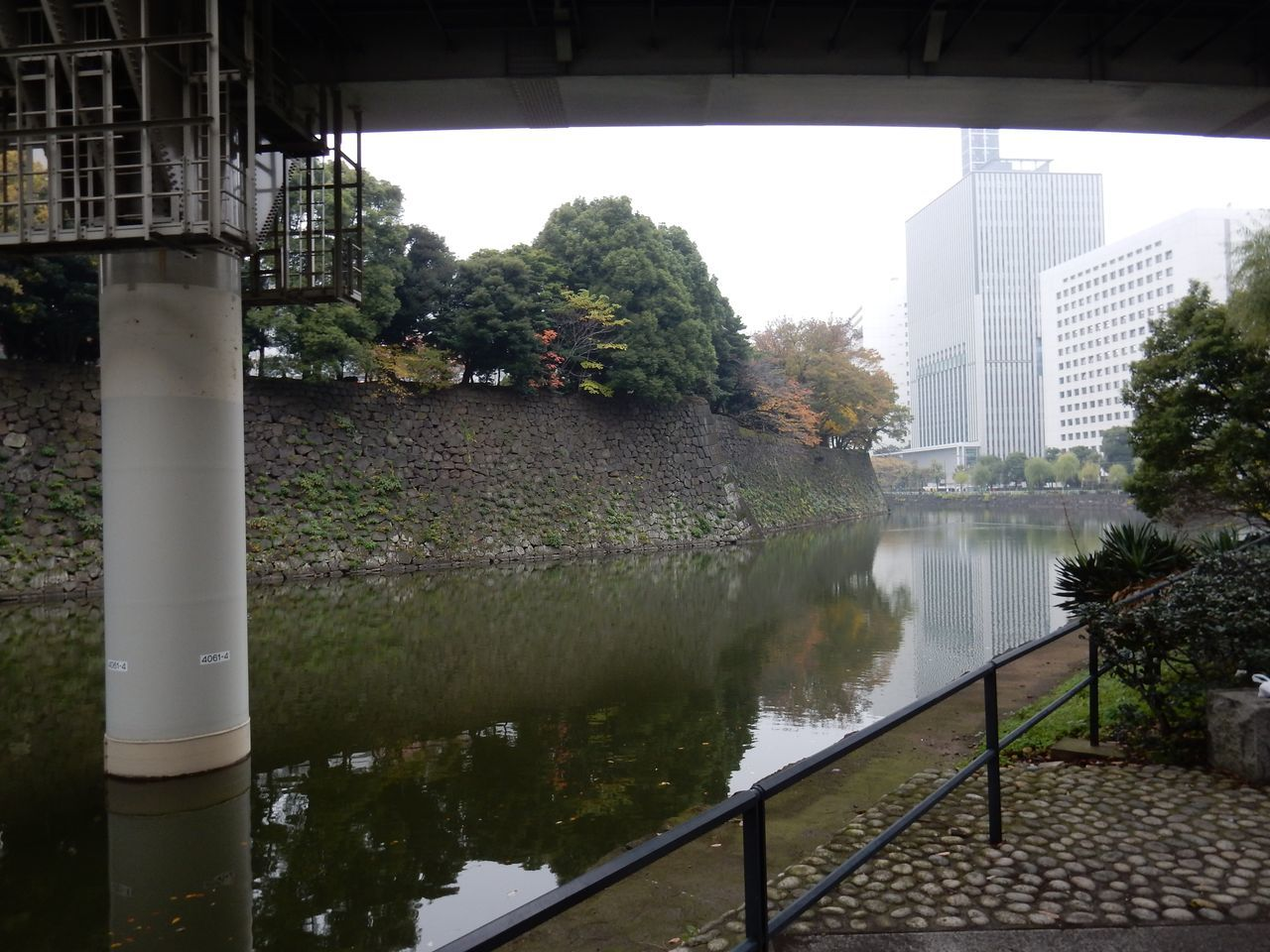 12月2-3日東京出張スケッチ_c0025115_18243539.jpg