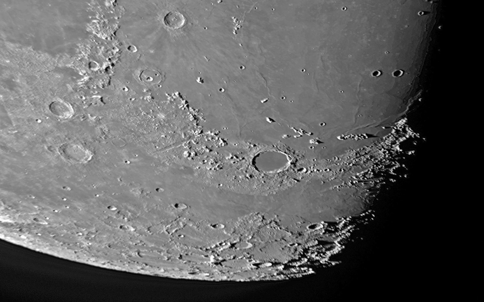月面北極地方_f0347332_11303856.jpg