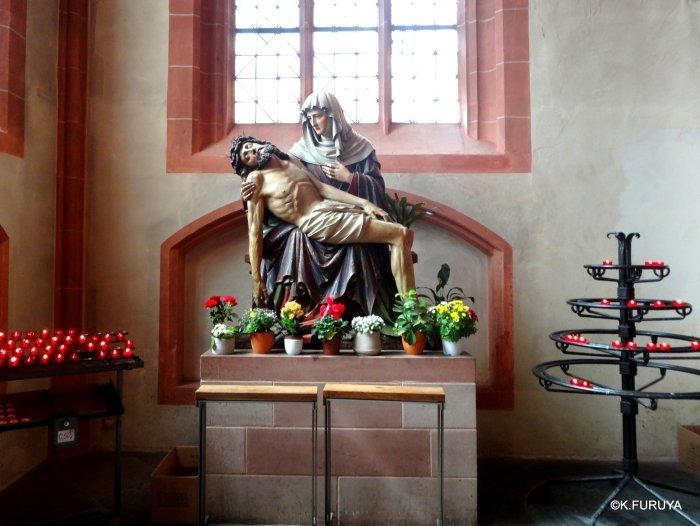 ドイツ9日間の旅 28 フランクフルト大聖堂_a0092659_13082196.jpg