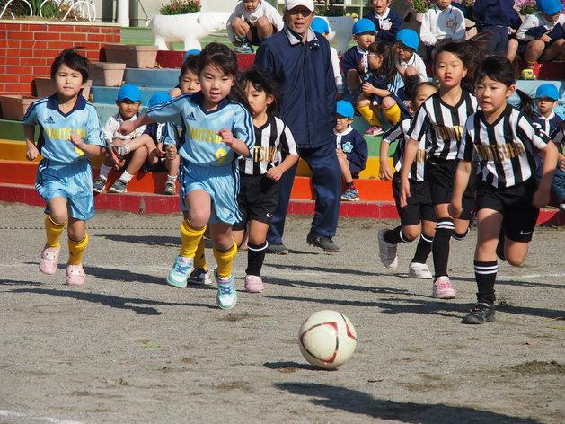 サッカー大会 開幕!_b0233868_1504213.jpg