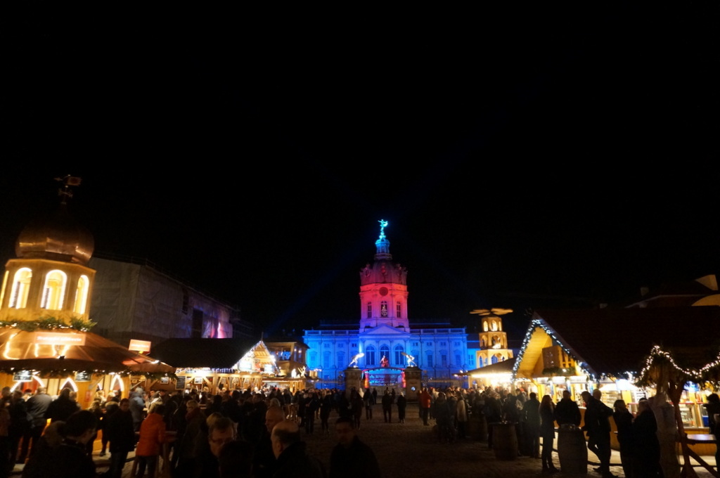 ベルリン銀座クーダムとシャルロッテンブルク城。_c0180686_17032334.jpg