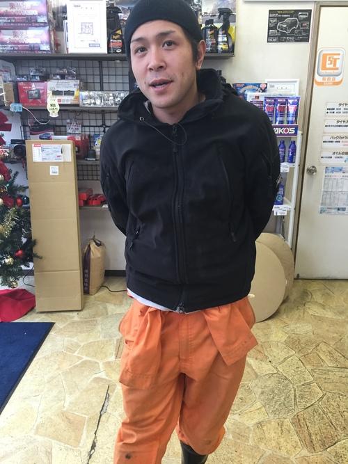 12月5日 土曜日!店長のニコニコブログ!ランクル・ハマーの専門店☆_b0127002_2232487.jpg