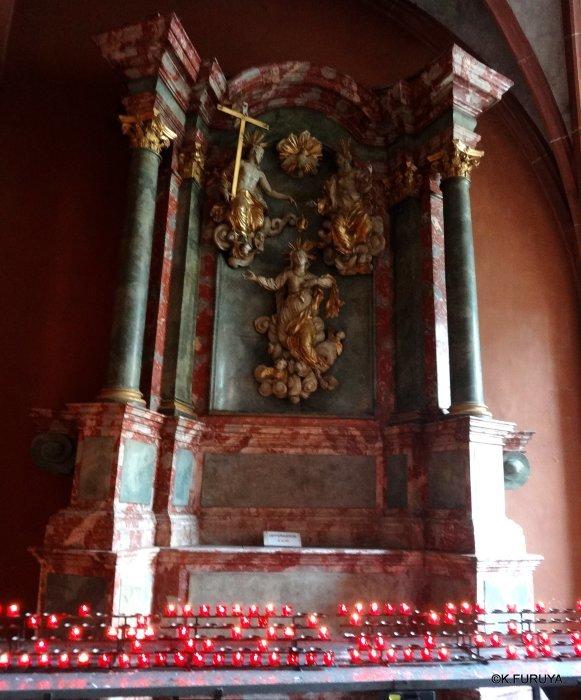 ドイツ9日間の旅 28 フランクフルト大聖堂_a0092659_17100774.jpg