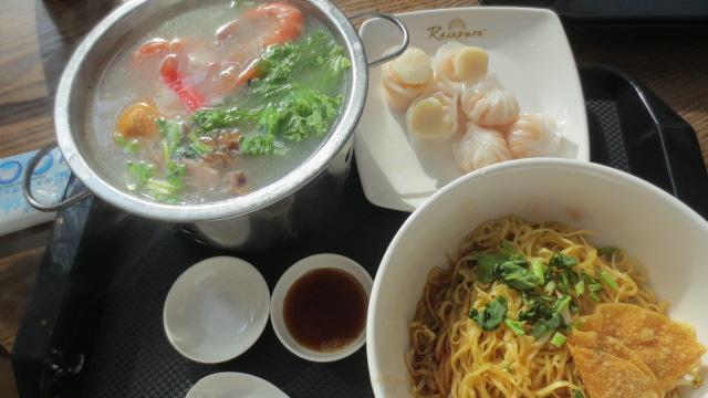 シンガポール旅行記⑥ 海南鶏飯と隠れ家カフェ_e0212073_20231521.jpg