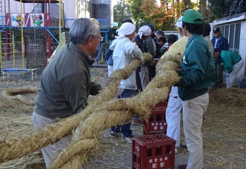 華農園収穫祭と神明宮しめ縄奉納_f0059673_22192664.jpg
