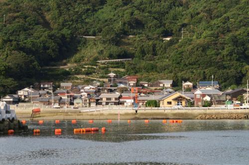 海界の村を歩く 瀬戸内海 睦月島(愛媛県松山市)_d0147406_15464195.jpg