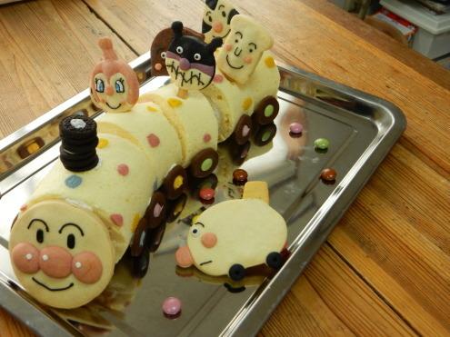 アンパンマンのカラークッキー & アンパンマン列車ケーキ