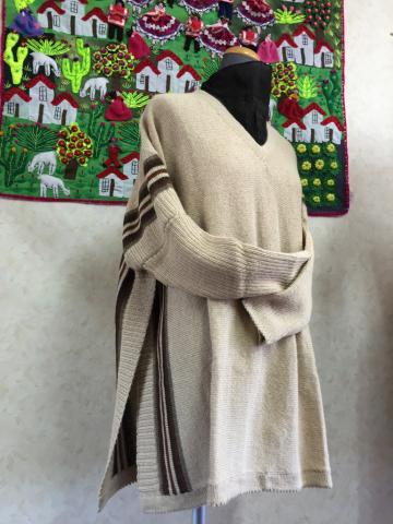 アルパカのセーター風ポンチョ_d0187468_13303706.jpg