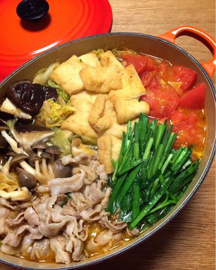 キムチとニラと豚肉でスタミナ満点!ビタミンCのトマトも加わって風邪予防にもなりそう!