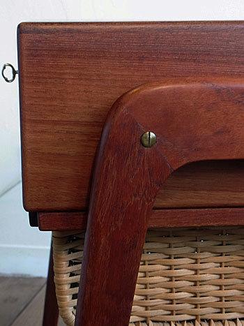 sewing table_c0139773_17304622.jpg