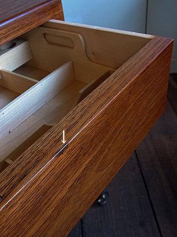 sewing table_c0139773_17314209.jpg