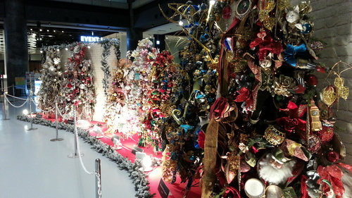 街はすっかりクリスマス_c0160277_2225431.jpg