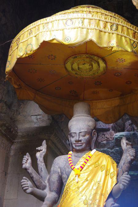 男の一人旅 ~カンボジア アンコール・ワット遺跡~_d0145934_938053.jpg