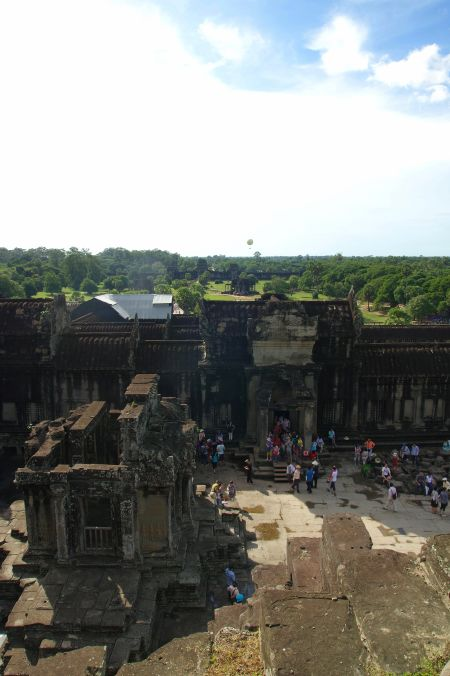 男の一人旅 ~カンボジア アンコール・ワット遺跡~_d0145934_9404384.jpg