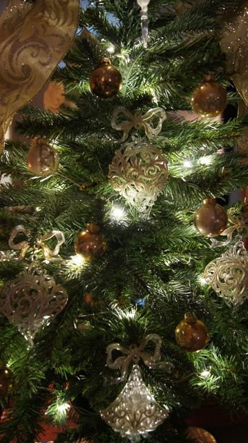 REKETTオリジナルデザインクリスマスツリー完成です!_f0029571_1324777.jpg