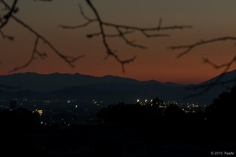 大和平野に沈む夕日_c0350572_21152904.jpg