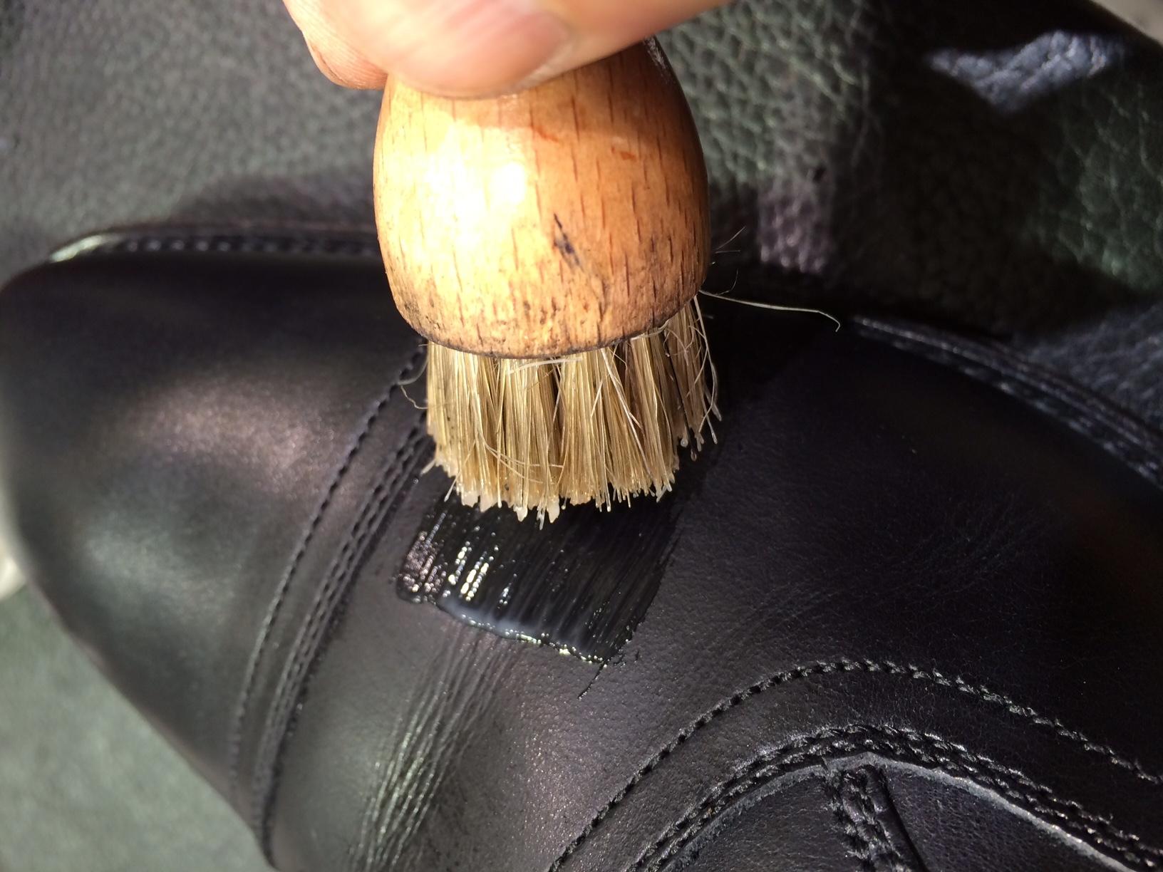 新しい靴にデリケートクリームのお勧め_b0226322_12050627.jpg