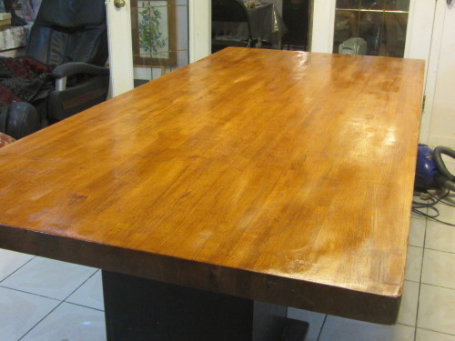 ダイニングテーブルのニス塗り直し始めました。大変。_a0173527_10251795.jpg