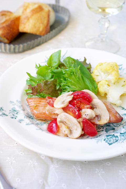 フレッシュマッシュルームとミニトマトのサラダ&アレンジ♪_d0159001_17454482.jpg