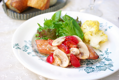 フレッシュマッシュルームとミニトマトのサラダ&アレンジ♪_d0159001_17462753.jpg