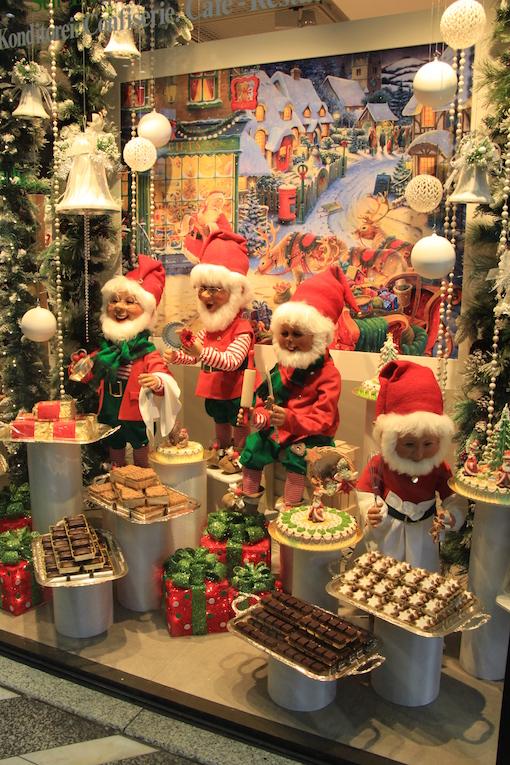 ラインのほとりから ♪ クリスマスのショーウインドウ_e0295348_22104437.jpg