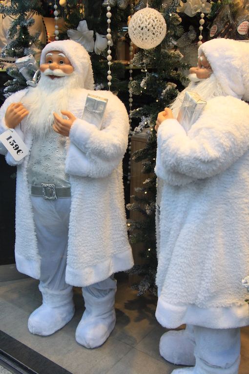 ラインのほとりから ♪ クリスマスのショーウインドウ_e0295348_228413.jpg