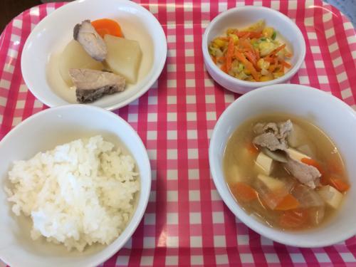 12月15日の給食。白菜とコーンツナ和えのレシピ。_c0293682_12455023.jpg