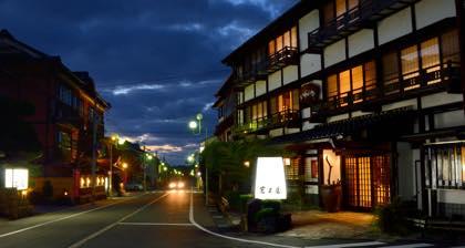 行き帰りに通るR9号線沿いの岩井温泉....以前撮影...._b0194185_22282196.jpg