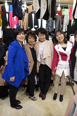 「衣服は自分自身のもっとも身近な環境である」_d0046025_1334514.jpg