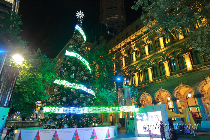 Christmas illumination ~2~ Martin Place_f0084337_20311339.jpg