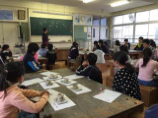 丸甲小学校に陶芸作品返しに行きました。_b0159687_11553946.jpg