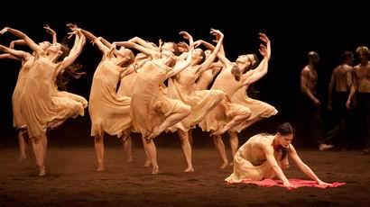 「シャルル・ガルニエでのバレエ公演から」_a0280569_0131273.jpg