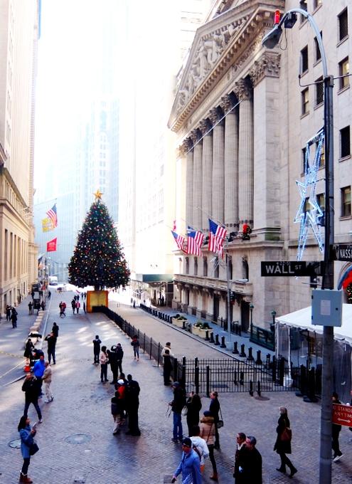 NYウォール街、証券取引所前のクリスマス・ツリー2015_b0007805_10343882.jpg