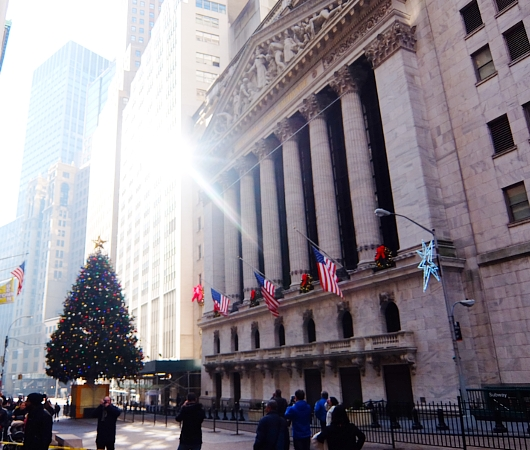 NYウォール街、証券取引所前のクリスマス・ツリー2015_b0007805_10374392.jpg