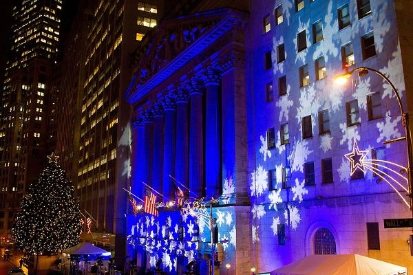 NYウォール街、証券取引所前のクリスマス・ツリー2015_b0007805_10444331.jpg