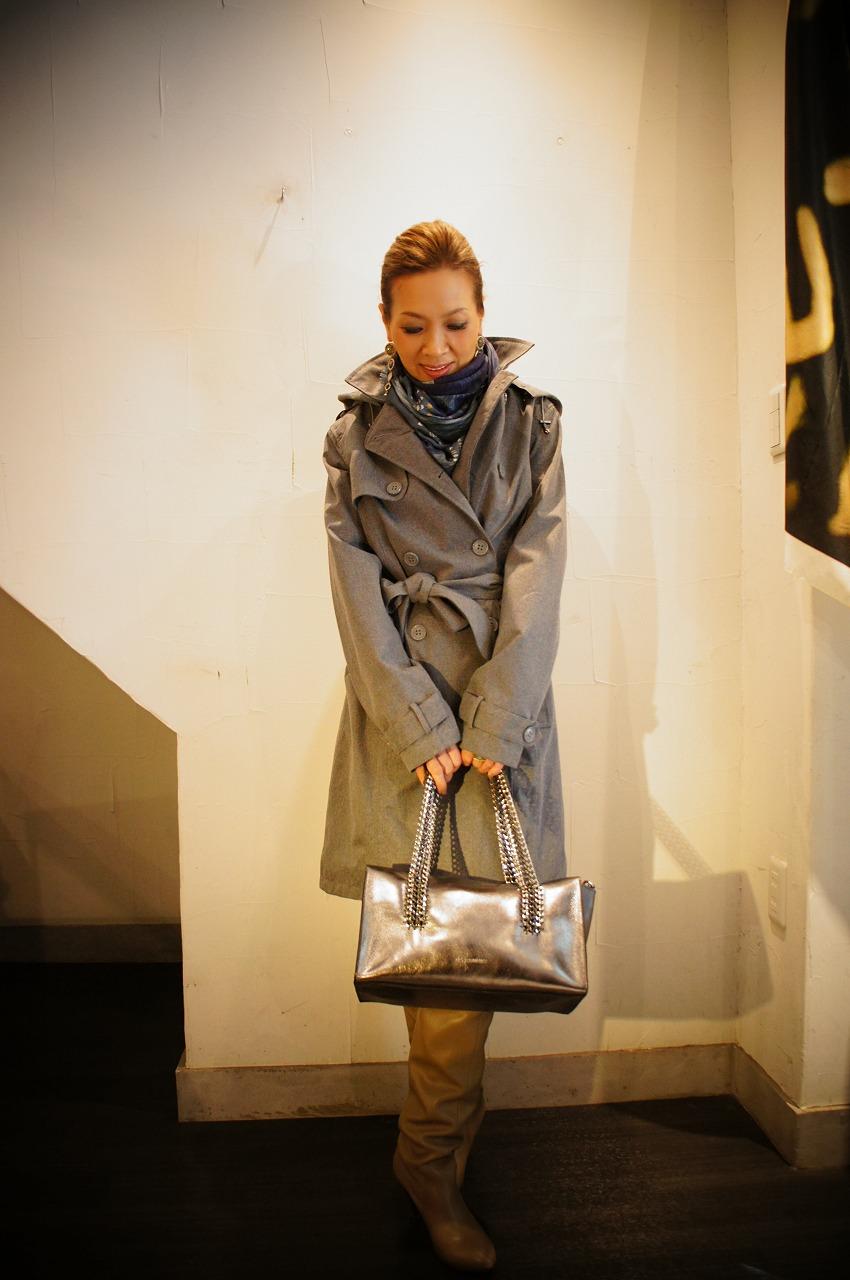 ファッション性抜群万能なレイントレンチコート ILSE JACOBSENイルセヤコブセン_b0115615_16293250.jpg