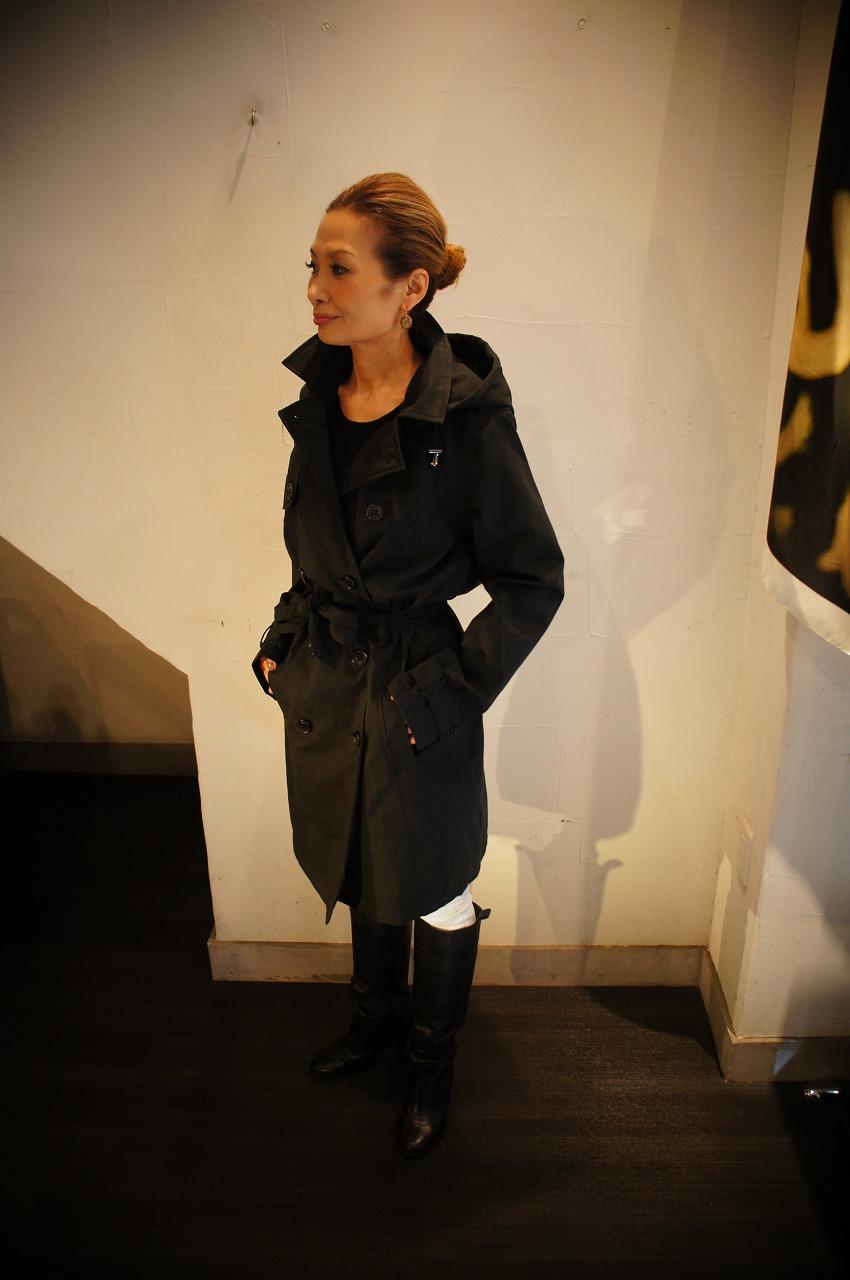 ファッション性抜群万能なレイントレンチコート ILSE JACOBSENイルセヤコブセン_b0115615_16294292.jpg