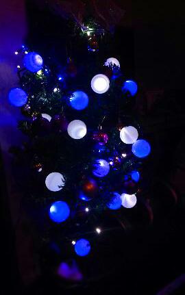 ピンポン玉de優しい光のイルミ☆_a0329820_22235938.jpg